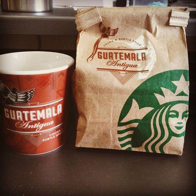 シェアハウスを旅立った友人からいただいた。英会話仲間だったから余計寂しいぜ!#スタバ #guatemala from Instagram