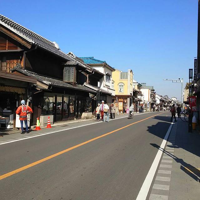 電柱や広告看板がないだけでこんなにも街並みが綺麗に見えるとはね。#小江戸 #川越 from Instagram